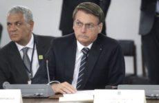 Бразильцы возмущены словами президента Болсонару о «надуманном коронавирусе»