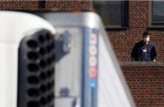 В Нью-Йорке развернули мобильные морги из-за коронавируса