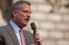 Власти Нью-Йорка допустили временное захоронение жертв COVID-19 в парках