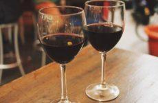 Нарколог Минздрава оценил риск заражения коронавирусом из-за алкоголя