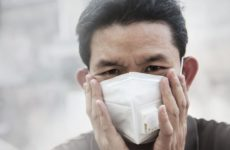 Медики предупредили о необычном симптоме коронавируса на ступнях