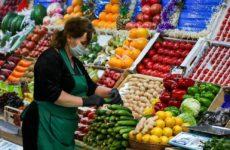 МЧС советует после покупки замачивать в воде овощи и зелень