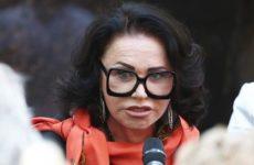Представитель Бабкиной опроверг информацию об утрате артисткой способности говорить