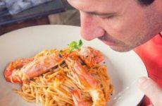 Диетолог Зародина рассказала, как перестать много есть на самоизоляции