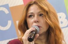 Алена Апина рассказала о сложном положении артистов из-за пандемии