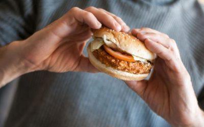 Названы семь продуктов, мешающих похудеть даже при занятиях спортом