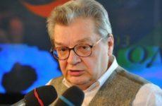 Больной раком телеведущий Беляев пережил тяжелую операцию