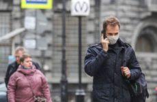 Врач разъяснила, какие опасности несет неправильное ношение медицинской маски