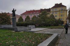 В Госдуме назвали причины вандализма в отношении памятника Коневу