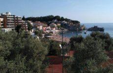 Власти Черногории назвали возможные сроки открытия границ