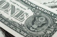 Российские банки ввезли в страну рекордный объем долларов
