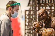 Рейтинг мифов о коронавирусе: Мужчины болеют чаще и тяжелее