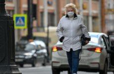 Врач предупредил об опасности постоянного ношения маски
