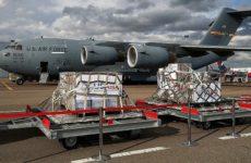 Американский самолет со второй партией аппаратов ИВЛ прибыл в Москву
