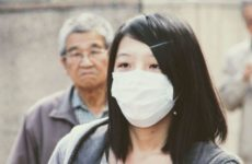 Японский врач Сато предупредил о второй волне COVID-19 этим летом