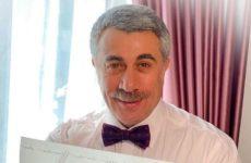 Доктор Комаровский предупредил об опасности ватных палочек