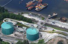 В Канаде после разлива топлива закрыли нефтепровод