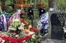 Актриса Кравец рассказала о странностях на похоронах ведущей Норкиной