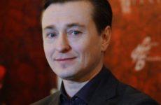 Сергей Безруков рассказал, как заработал на первую квартиру