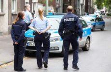 «Убьем всех неверных»: В ответ на угрозы немецкую полицию заставят учить арабский