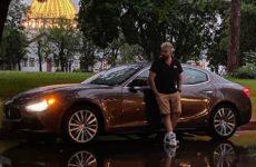 Утешившийся после расставания муж Гагариной похвастал новой роскошной машиной