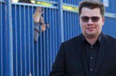 Харламов «отметил развод» вечеринкой с актрисами в караоке