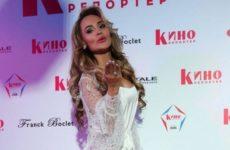 Калашникова рассказала, как ее уговаривали бросить творчество
