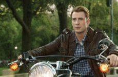 Звезда Голливуда Крис Эванс скрывает новую возлюбленную