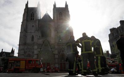 В Нанте произошел пожар в соборе Святых Петра и Павла