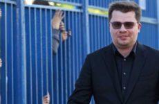 Друг Харламова рассказал, как проводит вечера ожидающий развода актер