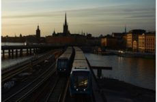 Отказ Швеции от карантина ради спасения экономики не оправдал себя