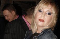 Исполнительница песни «Ягода-малина» впала в кому после травмы головы