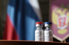 Во Франции объяснили, почему российской вакцине можно доверять