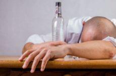 Наркологи объяснили разницу между женским и мужским алкоголизмом