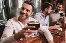 А с виду приличный человек. Ученые назвали признаки будущего алкоголика