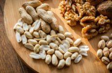 Диетолог предупредила об опасности употребления орехов