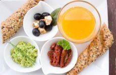 Диетолог перечислил составляющие идеального завтрака