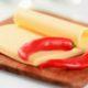Развеян популярный миф о плавленом сыре