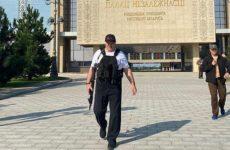 Лукашенко объяснил, зачем взял в руки оружие