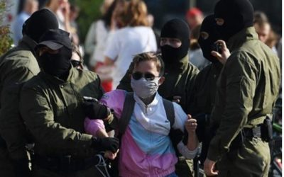 В центр Минска начали стягивать войска