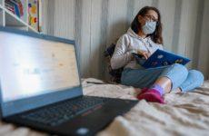 Врач назвала неочевидные способы распространения коронавируса