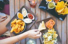 Диетолог рассказал, чем опасен отказ от обеда