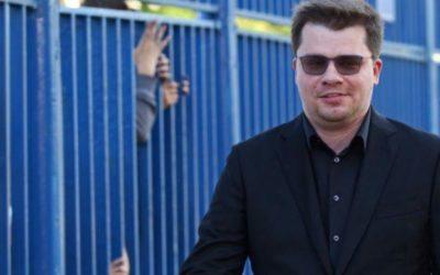 Харламов объяснил, почему шутит над Ларисой Гузеевой