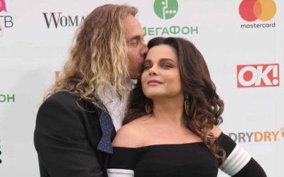 Тарзан посвятил стихотворение жене после скандала с изменой