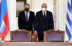 Глава МИД Греции отметил важность укрепления отношений с РФ