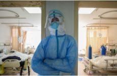 Врач рассказала о риске «боевого стресса» у пациентов с COVID-19
