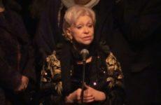 Вдова Караченцова сломала пять пальцев на отдыхе
