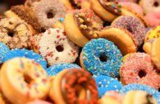 Диетолог указала на неочевидную опасность сладкого