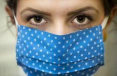 Микробиолог назвал причины, по которым не все заражаются коронавирусом