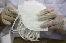 Ученые объяснили невозможность остановить пандемию с помощью масок